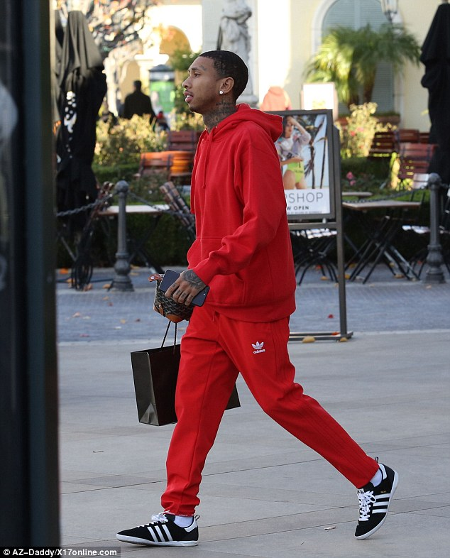 Top 10 celebrity wearing Adidas outfit. — Adidas